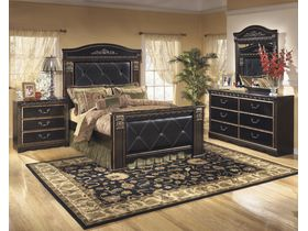 """Кровать в темно-золотистой цветовой гамме """"Coal Creek"""""""