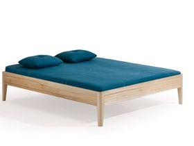 """Деревянная кровать на ножках """"Kalmera"""""""