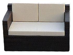 Двухместный диван из ротанга для сада Garda