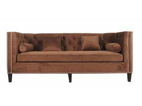 Широкий диван с подушками