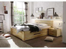 """Кровать c изголовьем из массива в светлой цветовой гамме  """"Cassetta"""""""